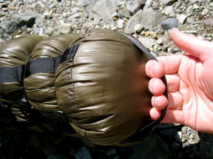 External straps of compression sack